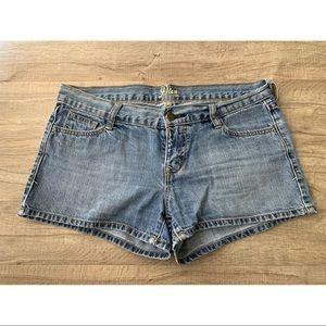 Jean Shorts • Old Navy